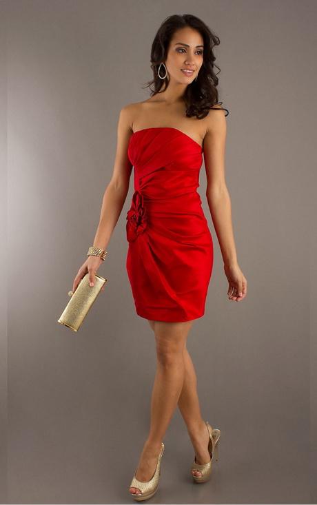 Rotes kurzes kleid