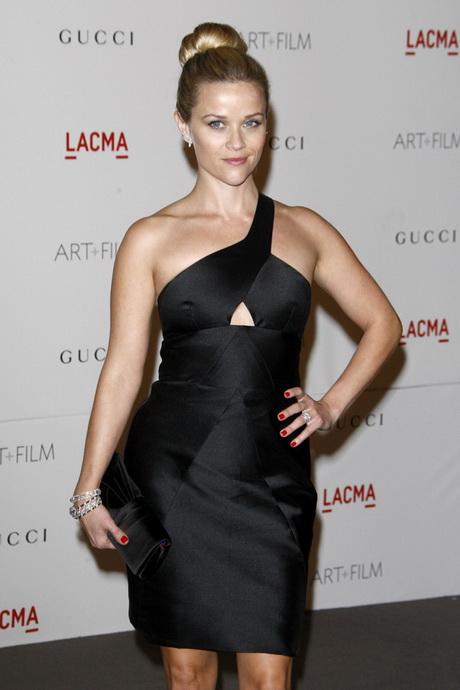 Schwarzes Kleid Nagellack