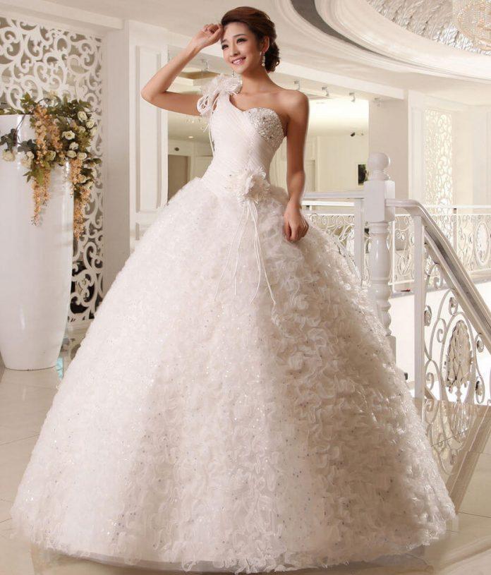 Fantastisch Trending Brautkleider Ideen - Brautkleider Ideen ...