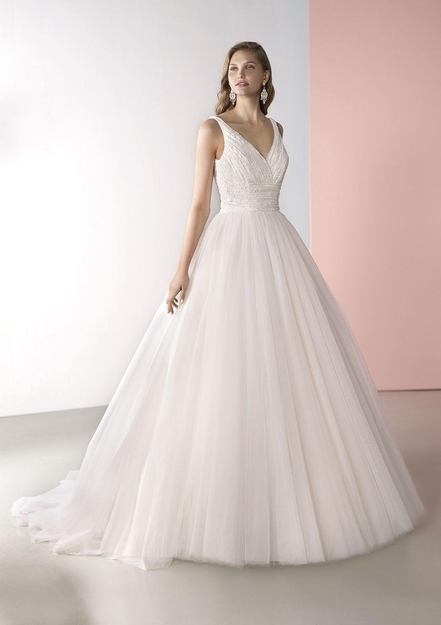 Großartig Brauen Aufhänger Für Hochzeitskleid Fotos - Brautkleider ...