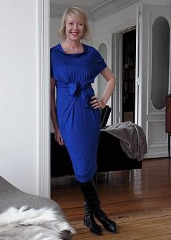 Blaues cocktailkleid welche strumpfhose