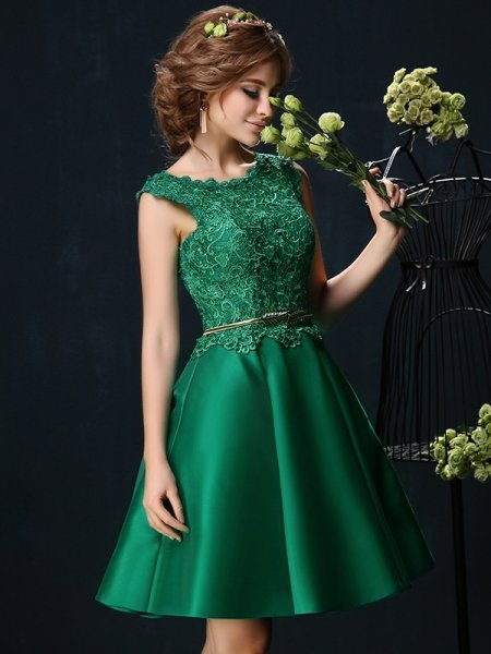 kleid grün knielang