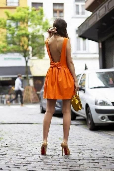 Frisur rückenfreies kleid