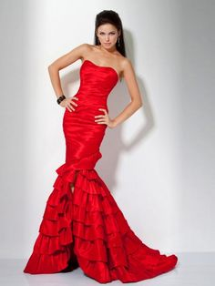 Rote festkleider