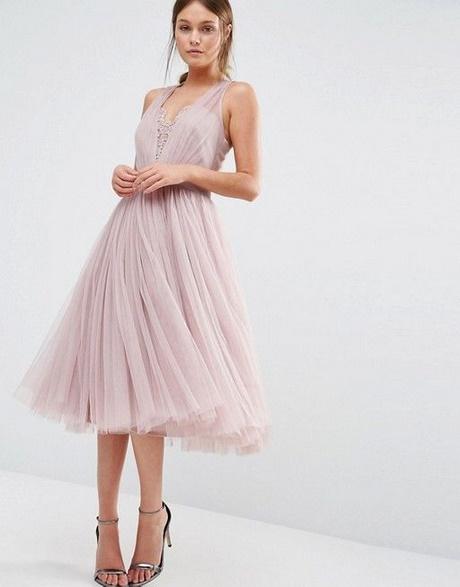 Cremefarbenes Kleid Als Hochzeitsgast