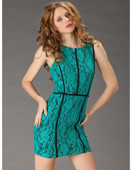 Kurzes grünes kleid