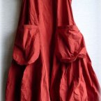 Rotes ballonkleid